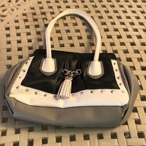 Medium size handbag